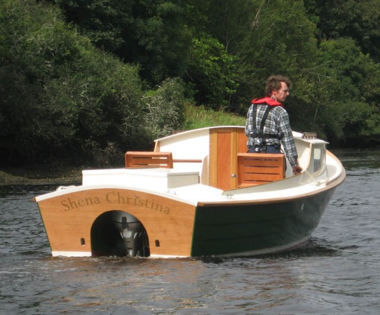 Small runabout plans for concealed outboard motor for Runabout boats with outboard motors