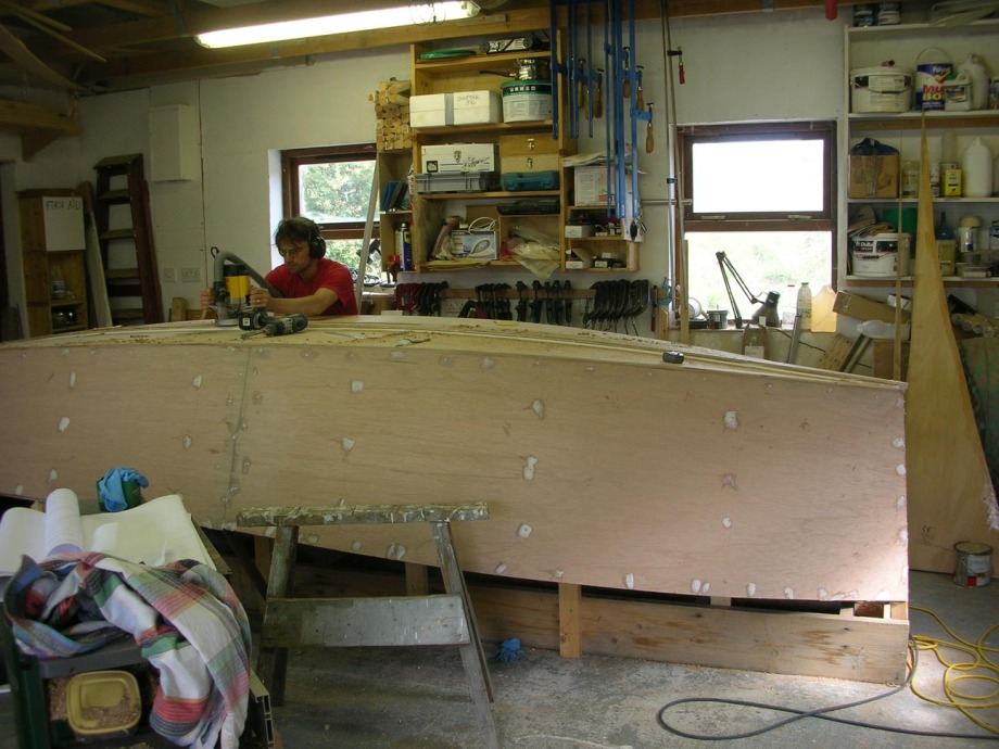 Cutting the centre board slot in th ekeel of a Catbird 16 lugsail sharpie, by Roeboats, West Cork, Ireland, For sale.