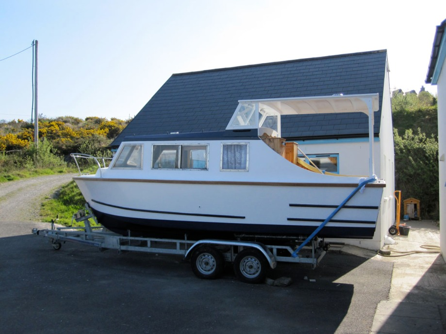 River Cruiser repainted, repaired and on trailer