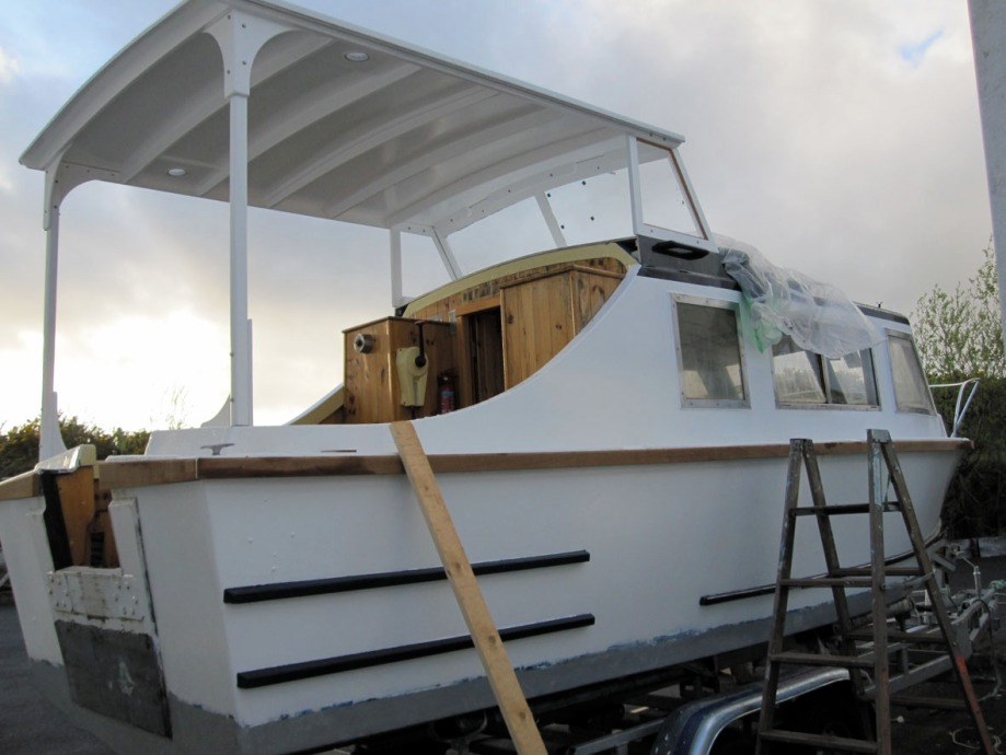 Glazing irish river cruiser