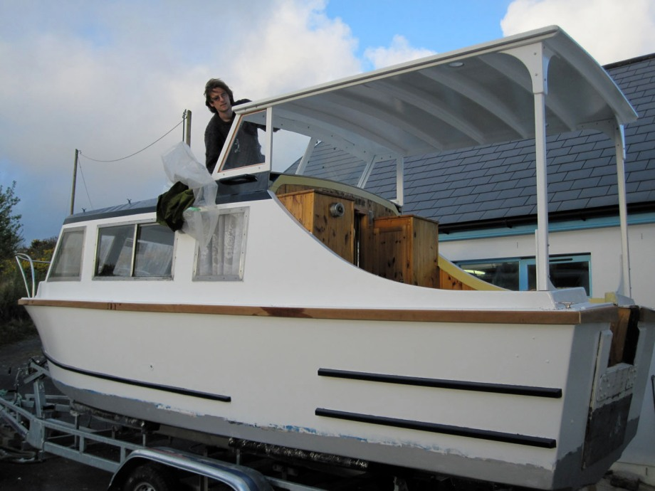 Cockpit shelter for River Cruiser for Irish inland waterways